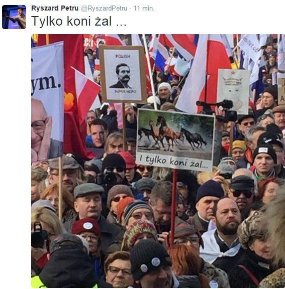 """KOD w Warszawie pod Stadionem Narodowym: """"My, naród"""""""