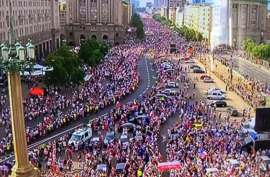 KOD znowu manifestuje w całej Polsce (zobacz zdjęcia)