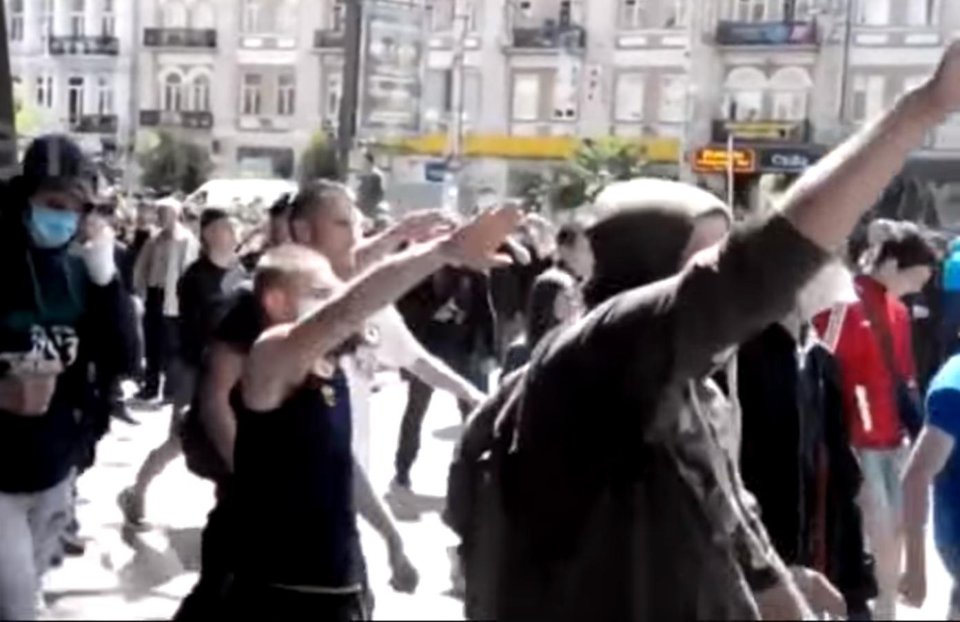 """Naziści przemaszerowali ulicami Kijowa, """"Sieg Heil, Rudolf Hess!"""" (video)"""