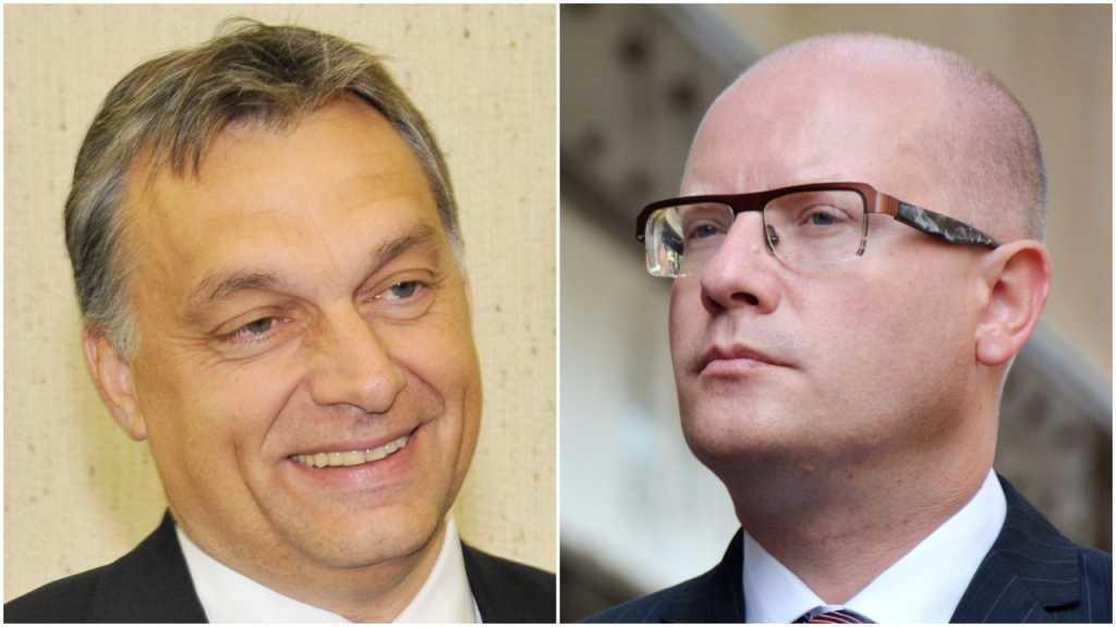 """Premierzy Węgier i Czech chcą utworzenia """"wspólnego wojska europejskiego"""""""