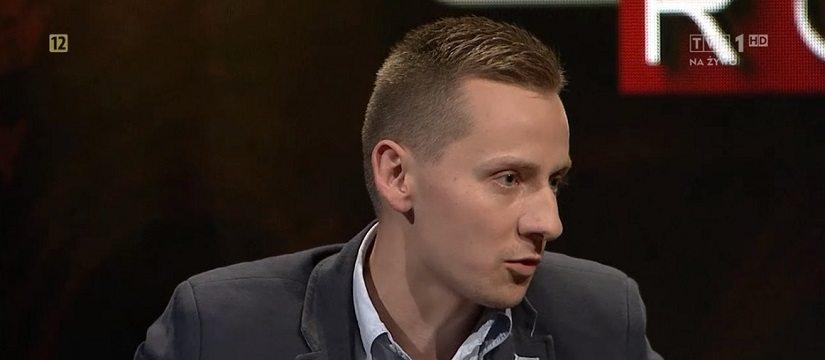 """Ksiądz Międlar w TVP już bez koloratki o awansach w Kościele. """"Homo lobby pociąga za sznurki"""""""