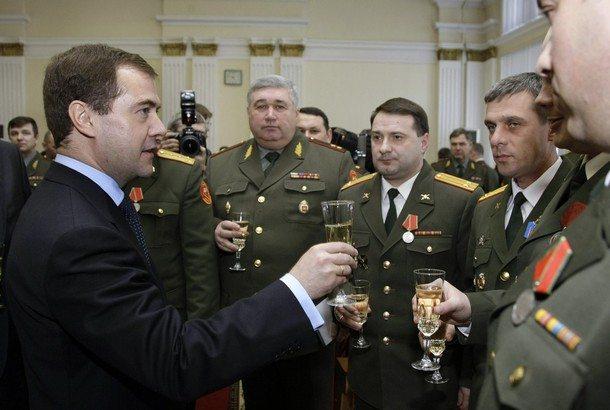 Rosja: Armia będzie się odchudzać. MON chce zadbać o formę swoich oficerów
