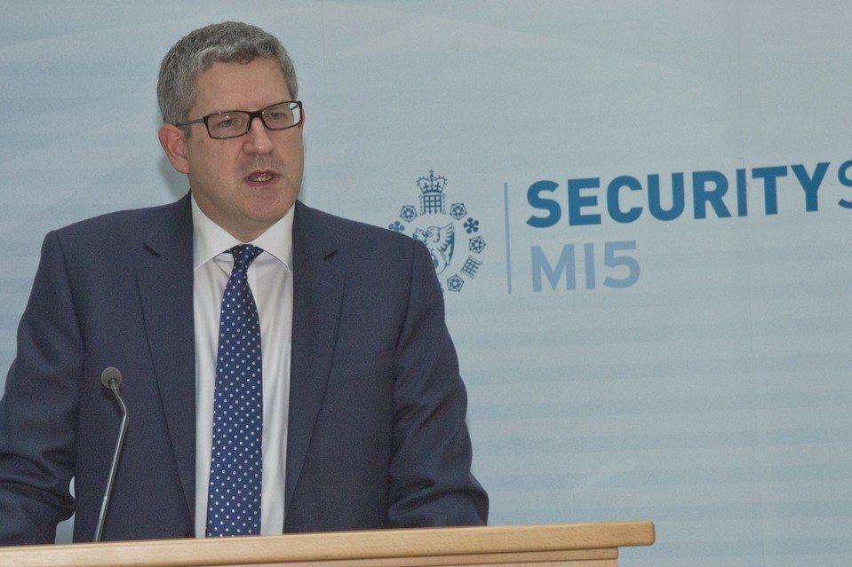 """Pierwszy w historii wywiad z szefem MI5 i od razu """"dyplomatyczny skandal"""". Wskazał wrogów UK i Europy"""