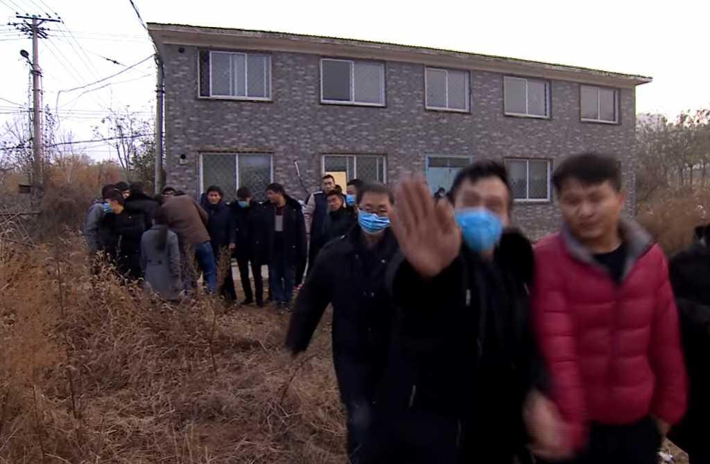 Chiny: Chcieli porozmawiać z niezależną kandydatką w wyborach. Smutny finał (video)