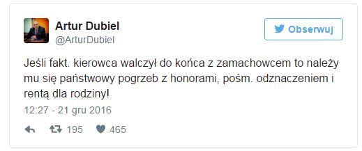 Wiemy kim jest mężczyzna, który leżał pod Sejmem (video)