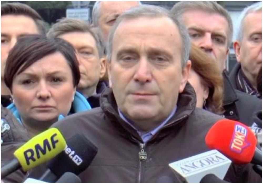 Schetyna: Nie zgadzamy się na taką politykę w Sejmie