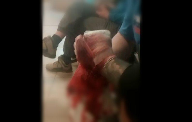 To się dzieje w polskim szpitalu! Godzinami wykrwawiał się na korytarzu, lekarze mieli go gdzieś (video +18)