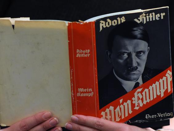 Niemcy masowo kupują Mein Kampf, nie uwierzycie który to już dodruk