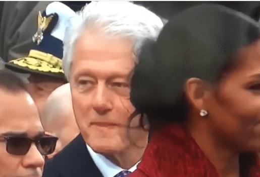 Bill Clinton wgapiał się w pupę Melanii Trump. Hillary go przyłapała, jej mina bezcenna (VIDEO)