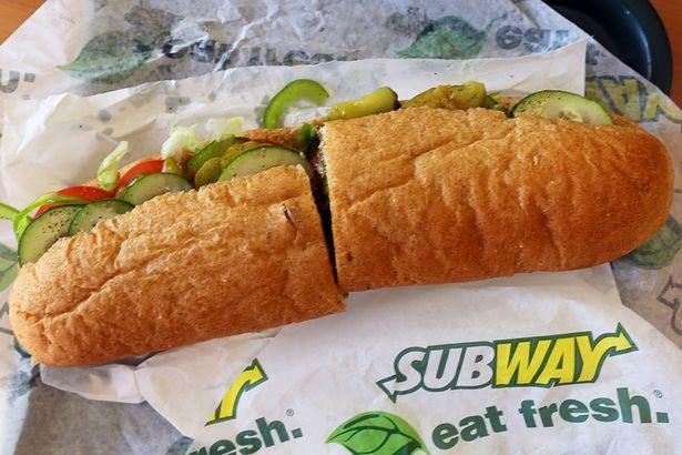 Fast-foodowy skandal. Jadasz w Subwayu? To lepiej nie czytaj czym jest kurczak w kanapce
