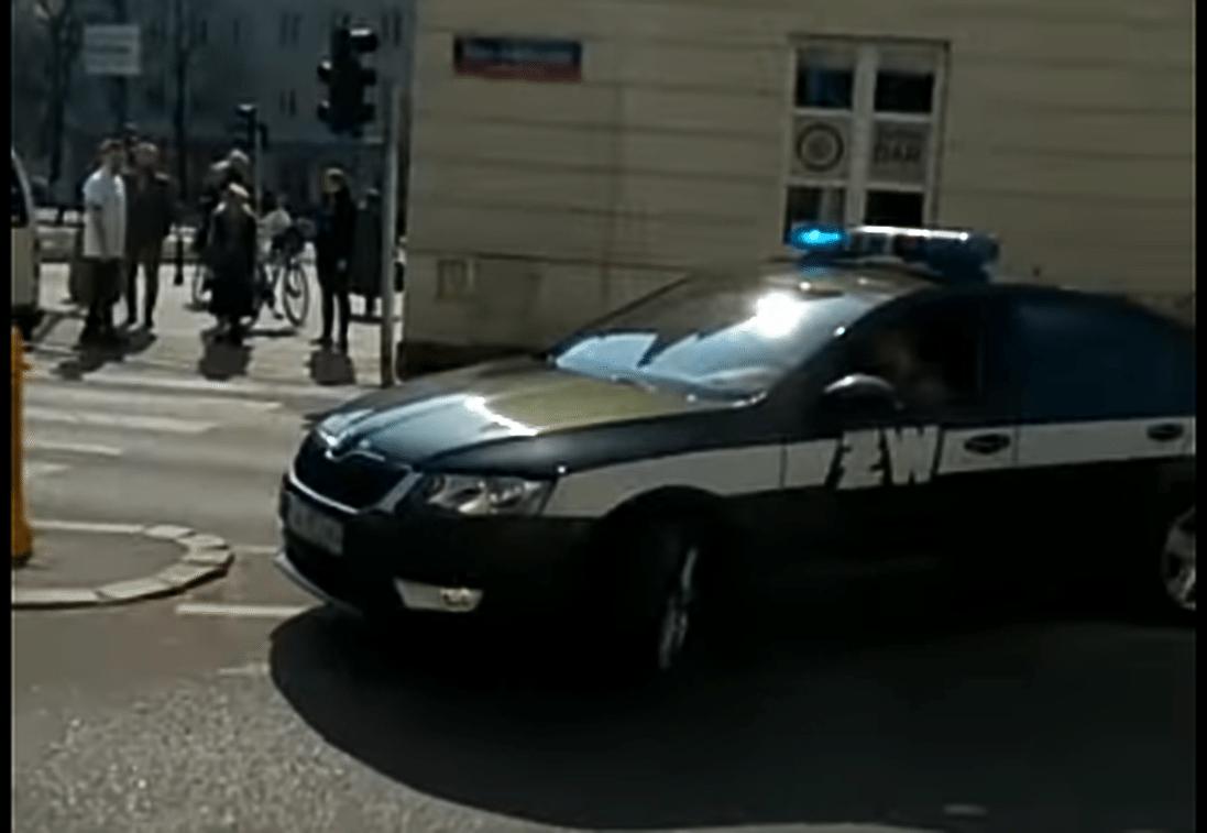 Jest nagranie z blokady rządowej kolumny przeprowadzonej przez dziennikarza GW (VIDEO)
