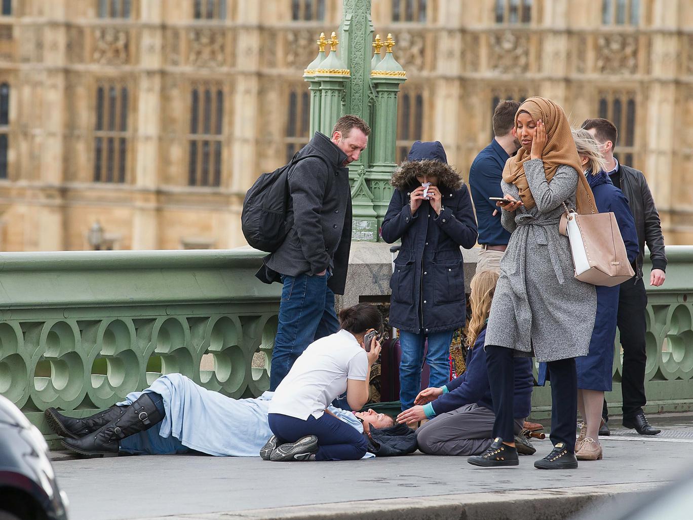 Wszyscy widzieli to zdjęcie po zamachach w Londynie. Prawda na jego temat może was zaskoczyć