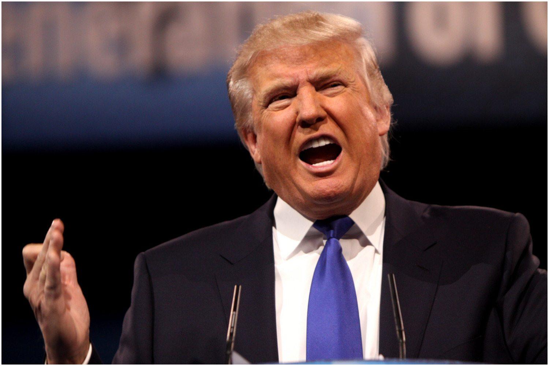 """Dziwaczne zachowanie Donalda Trumpa. """"To OBSESJA"""" (video)"""