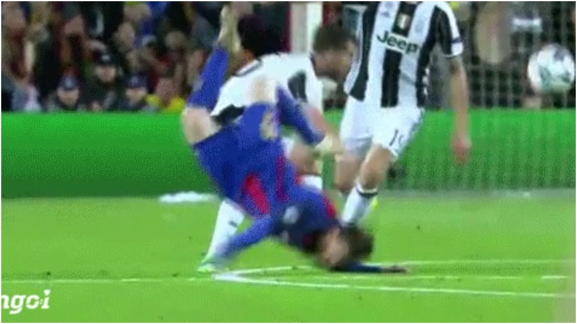 Straszliwy upadek Messiego podczas meczu (VIDEO)