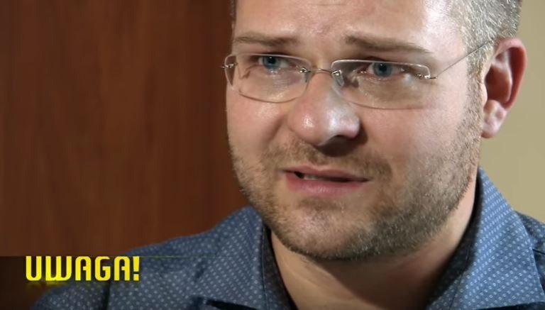 """Polityk PiS zalewa się łzami przed kamerami. """"Moja żona zabawiała się z zagranicznymi mężczyznami"""""""