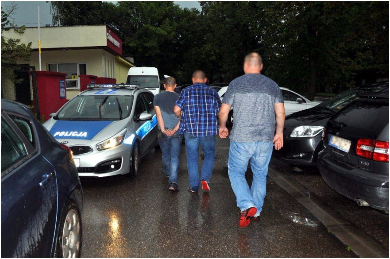 Warszawa: Podłożył ładunek wybuchowy w bloku. Policja już go schwytała