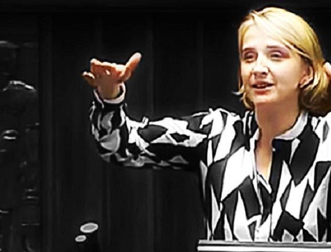 Dziennikarz ujawnia: Scheuring-Wielgus była żoną NAZISTOWSKIEGO muzyka (VIDEO)