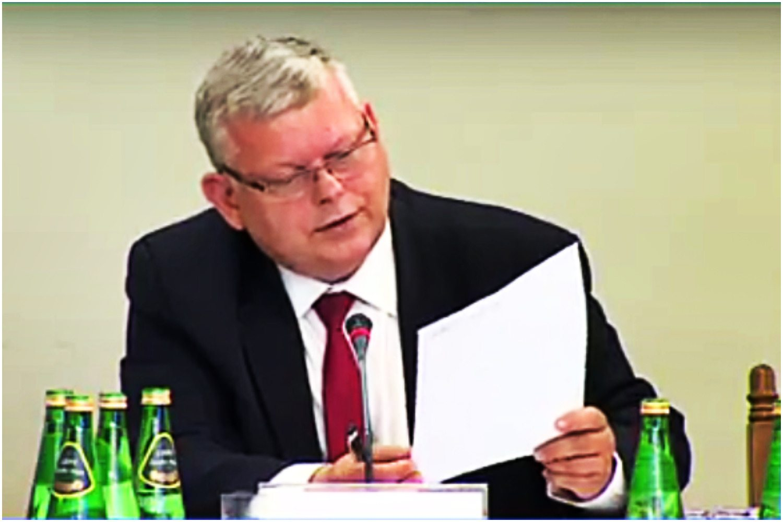 EKSPLOZJA śmiechu po KURIOZALNEJ wpadce Suskiego na przesłuchaniu syna Tuska! (VIDEO)