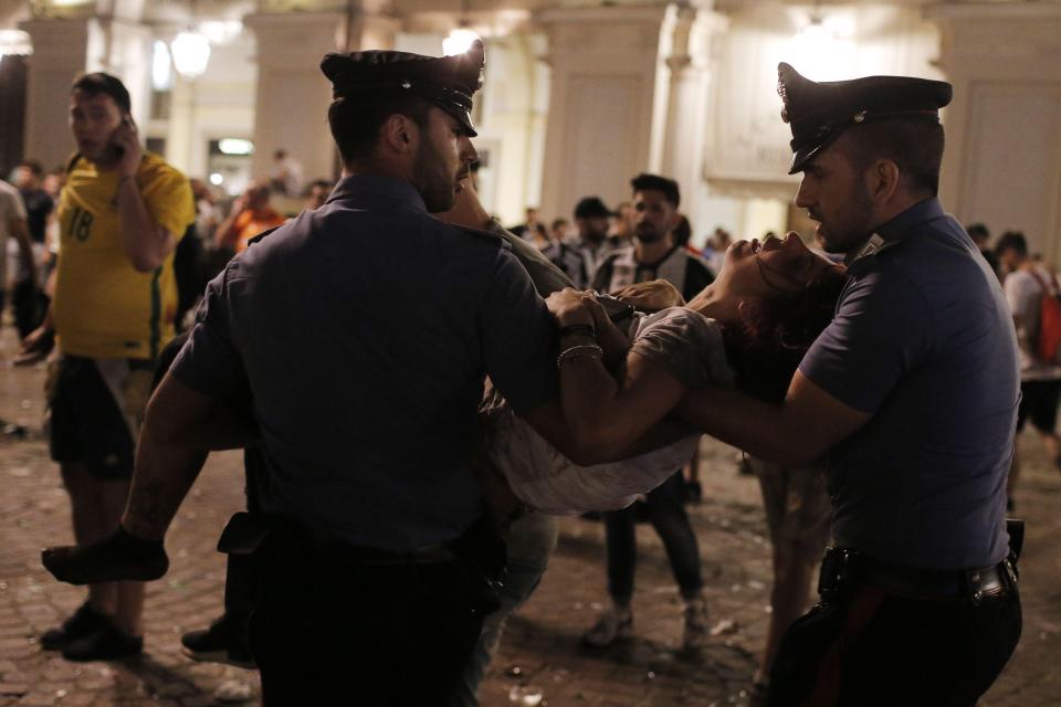 KOSZMAR w TURYNIE, ponad 400 rannych! (VIDEO)