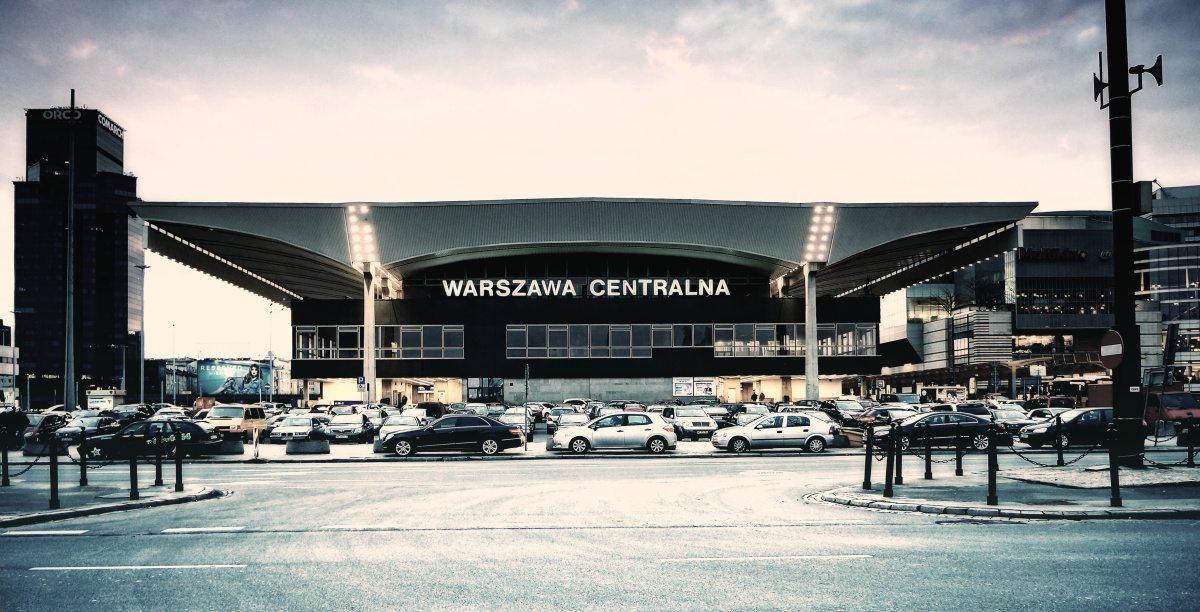Co tam się dzieje? Ewakuacja Dworca Centralnego w Warszawie
