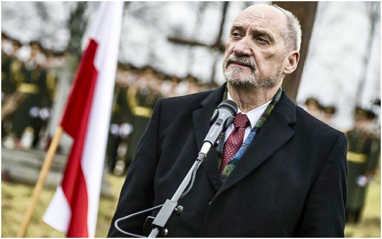 """Macierewicz doniósł na kolegę z opozycji. """"Powiedział za dużo"""""""