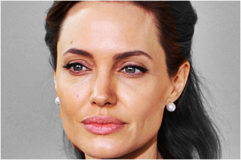 """Angelina Jolie w ogniu ostrej krytyki. """"Wykorzystała bezbronne dzieci"""""""