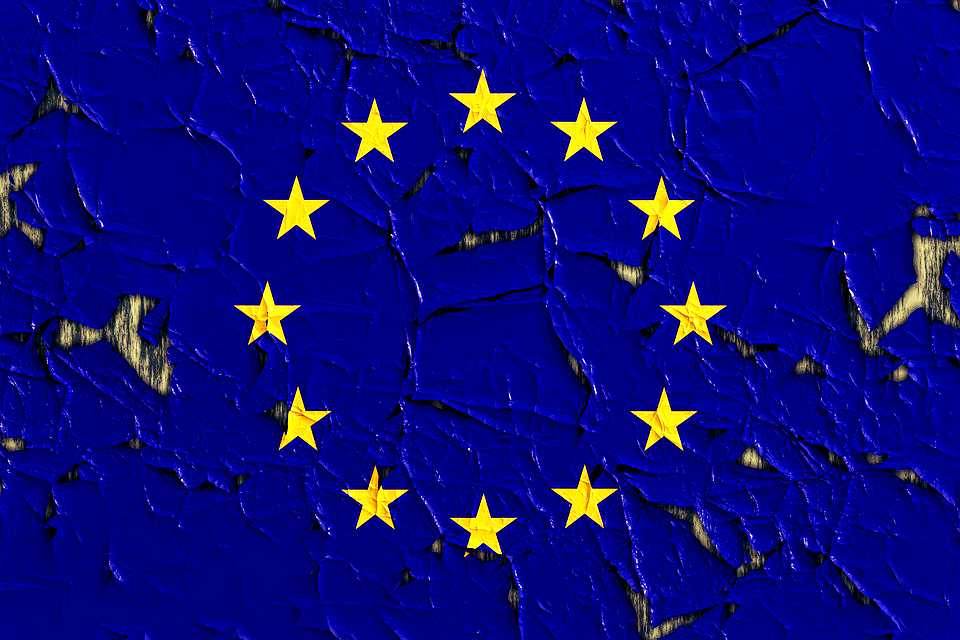 Przełomowe stanowisko Komisji! Przyszłość Schengen wisi na włosku