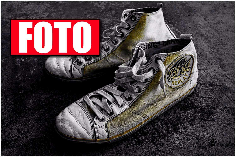 Genialny, banalny, domowy sposób na białe buty. Kilkadziesiąt sekund roboty