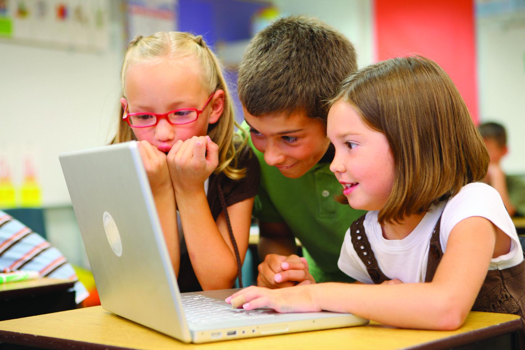 """MEGA kontrowersja w szkole. """"Dzieci, dziś nauczymy się jak obciągać"""""""