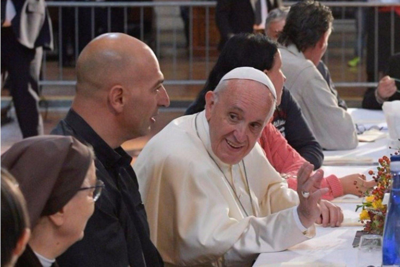 Papież zaprosił więźniów na obiad. Uciekli i teraz sieją zamęt!