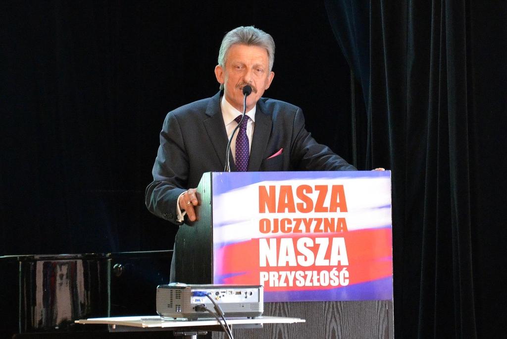 Oto tajemniczy adwokat, który kieruje Piotrowiczem w sprawie reformy sądów!
