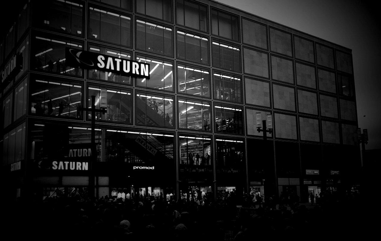 Saturn robi sobie JAJA z Polaków. Klienci są w szale, chcą roznieść sklep