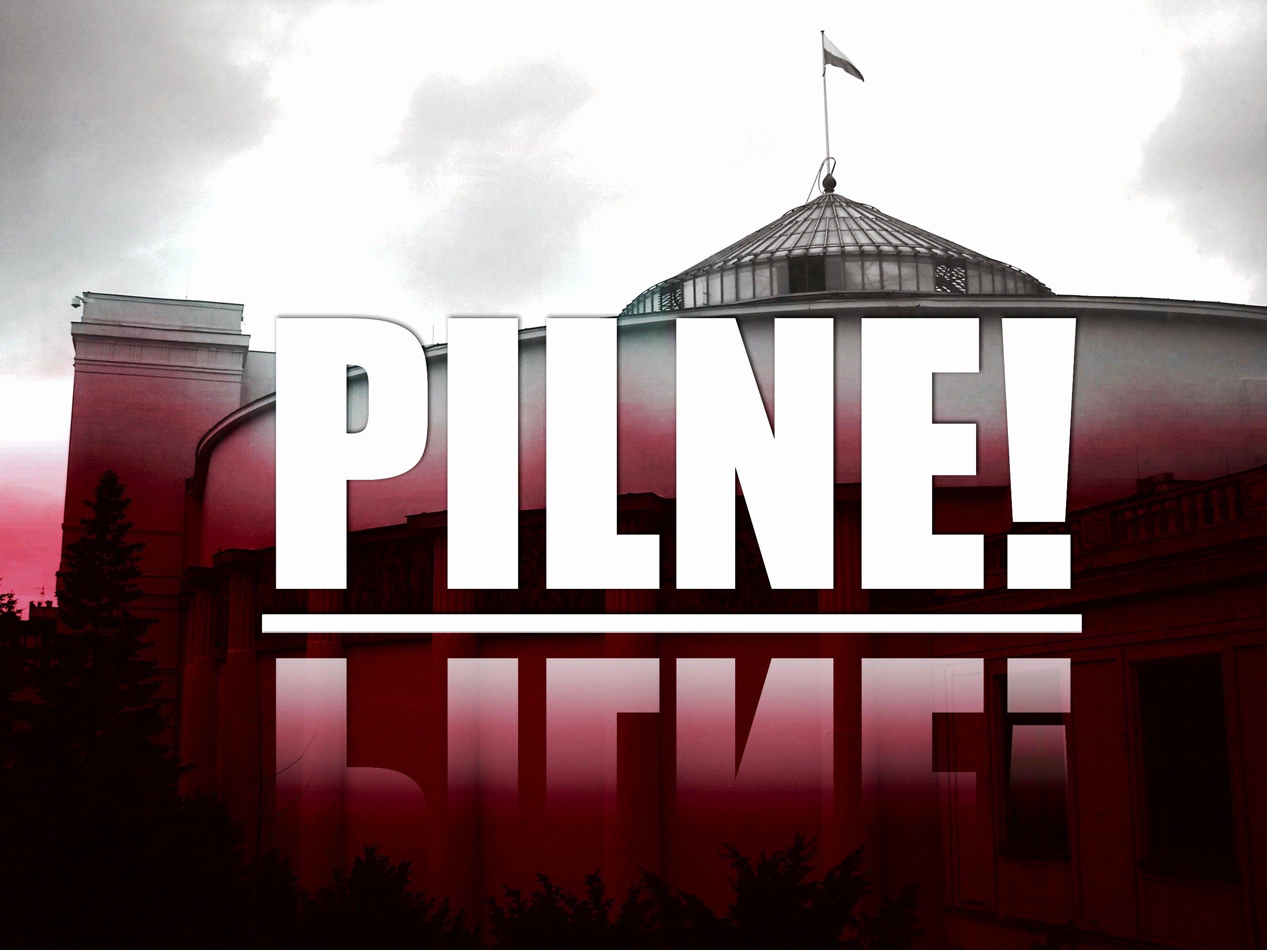Tłum naciera na Sejm! Posłowie PiS sparaliżowani (FOTO)