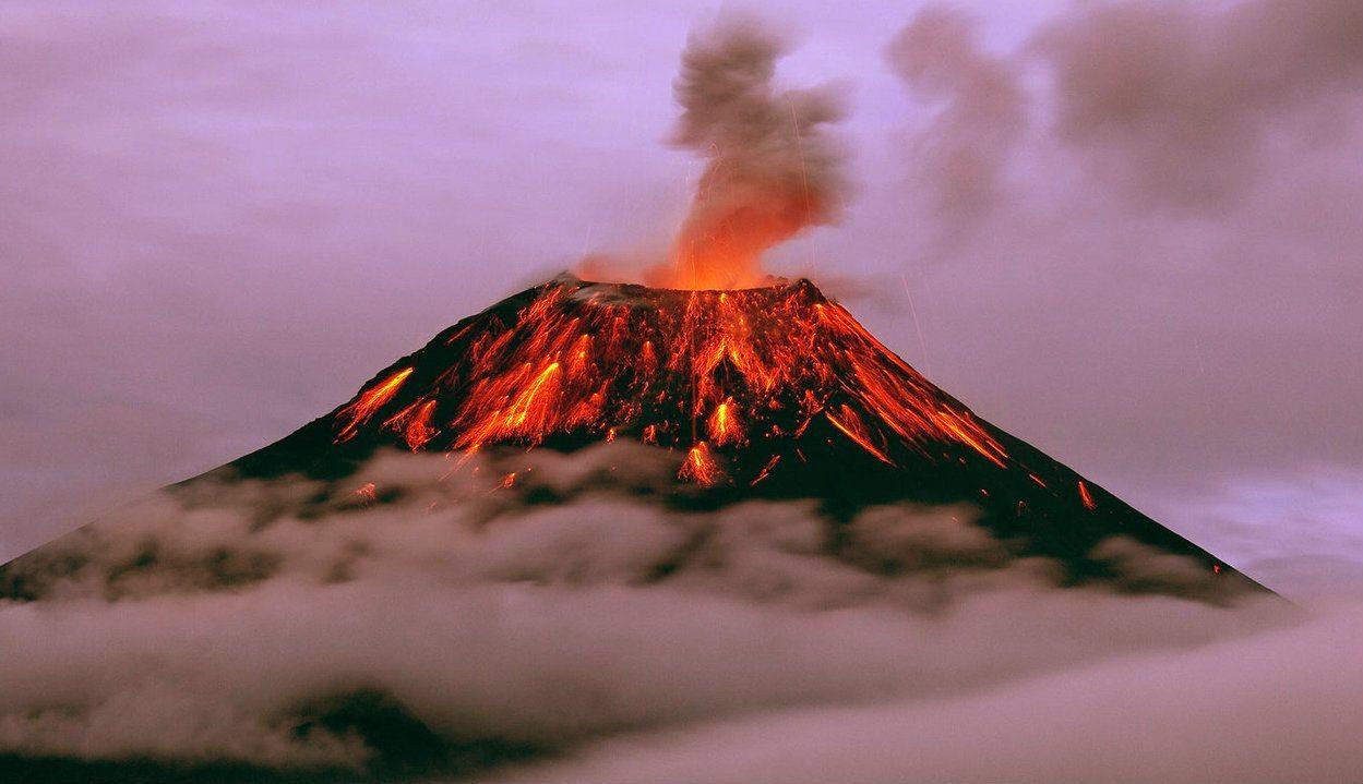 Cała Europa zostanie sparaliżowana. Ogromny wulkan wybuchnie lada dzień