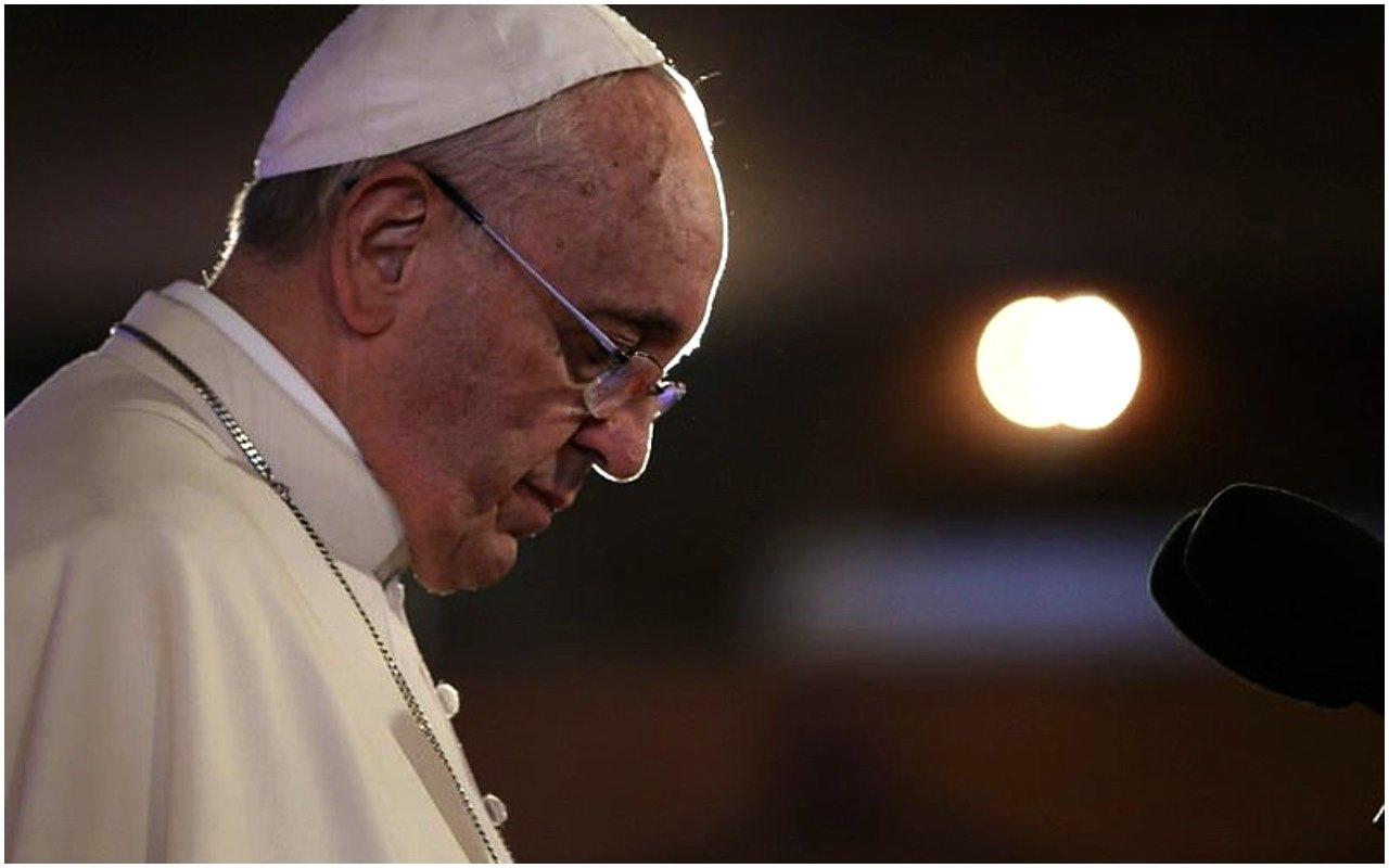 WSTRZĄSAJĄCE słowa papieża. Katolicy mdleją ze strachu