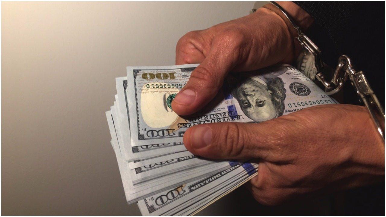 Prokuratura ZAJĘŁA majątek szefa parlamentu. Gigantyczne pieniądze!