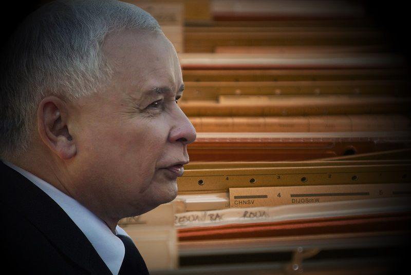 Tajna notatka SB o Kaczyńskim. Ujawniono jego NAJWIĘKSZĄ tajemnicę