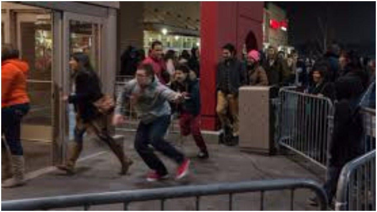 Ludzie wpadli w amok! Zaczęli się zabijać przez promocje w sklepie