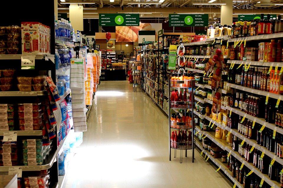 Popularne jedzenie masowo wycofywane ze sklepów. Wyrzuć to!