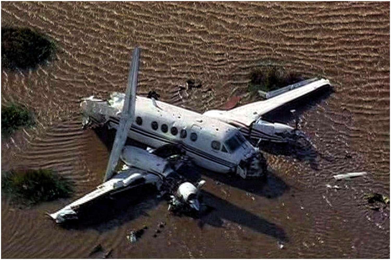 Samolot runął na ziemię. Nikt nie przeżył, oprócz...