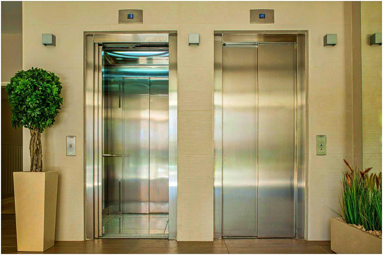Nigdy nie zgadniesz, po co tak naprawdę są lustra w windach