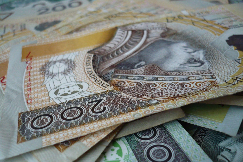 Polacy w euforii! 3 banki wypłacą klientom 80 MILIONÓW