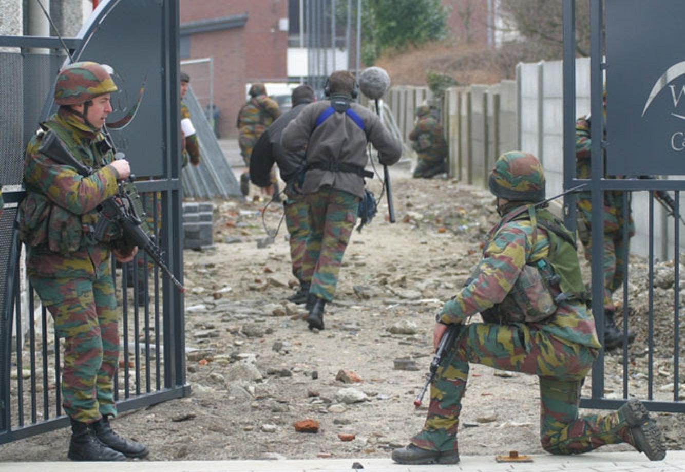 UE zaniemówiła. Wprowadzono stan wojenny, wojsko wyszło na ulice