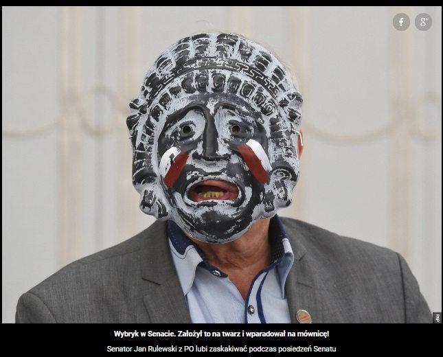 straszną maskę