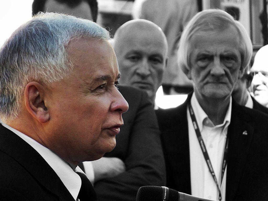 Znamy kulisy nocnego spotkania PiS! Kaczyński podał nazwisko do dymisji