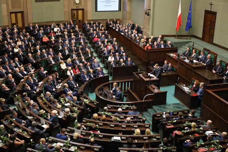 KOCIOŁ pod Sejmem! Przełomowa decyzja w dziejach Polski podjęta
