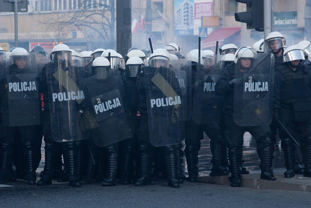 Policja rozprawia się z demonstrantami. To koniec wolności zgromadzeń