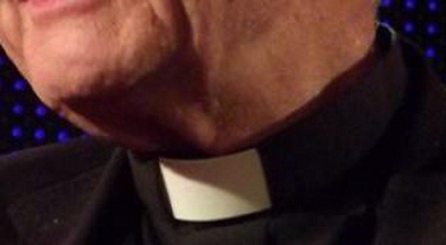Ksiądz zrobił z wszystkich parafian sprzątaczy! Albo wymyją Kościół, albo...