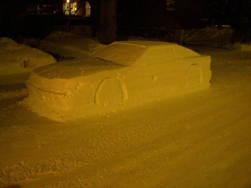 Policja wypisała mandat samochodowi ze śniegu