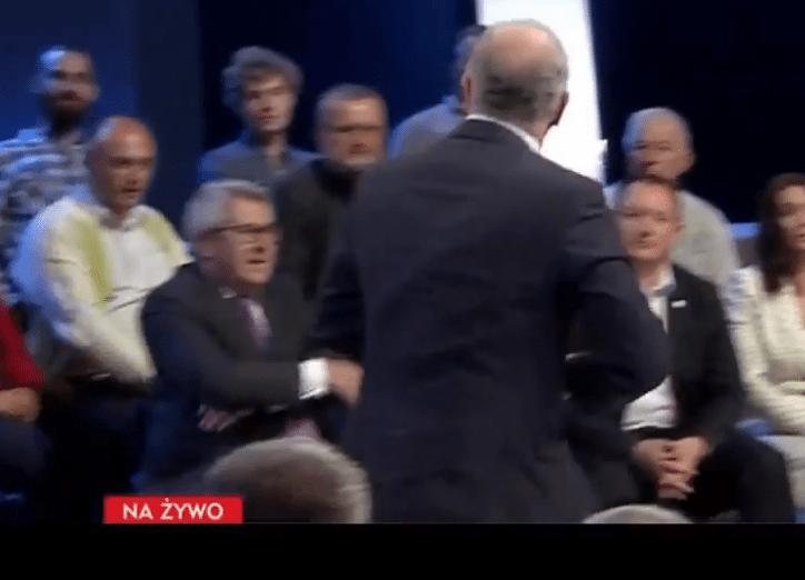 Czarnecki jest SKOŃCZONY! Kopnął człowieka w TVP